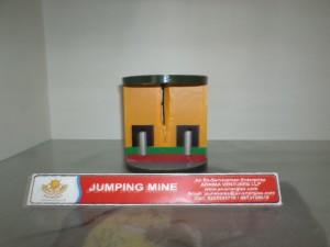 av-model-jumping-mine